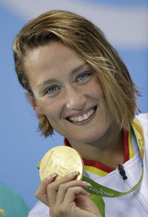 Mireia Belmonte gana la medalla de oro en los 200 mariposa en Río 2016. La nadadora española Mireia Belmonte se ha proclamado campeona olímpica en la prueba de 200 metros mariposa de los Juegos Olímpicos de Río, su primera medalla de oro olímpica.