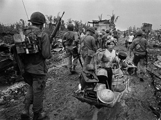 The battle for Saigon. Refugee from US Bombing. Vietnam.1968