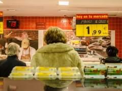 Una familia puede ahorrar hasta 933 euros al año eligiendo la tienda donde hacer la compra