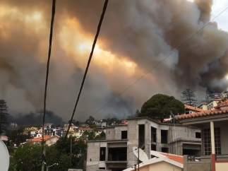 Las llamas se acercan al centro de Funchal (Madeira)