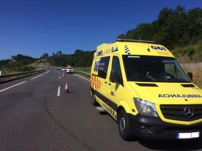 Tráfico detecta a conductor ambulancia que dio positivo en drogas en Ourense.
