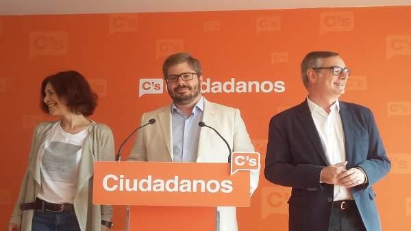 Cristina Losada, Fran Hervías y Jos  Manuel Villegas en la rueda de prensa