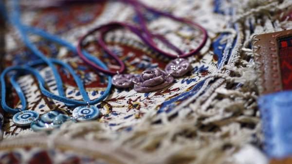 Fitur 2016: artesanía, collares, colgantes,