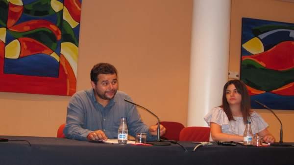 Secretario De Organización De UGT Asturias, Abel Suárez, Y La Responsable De Juv
