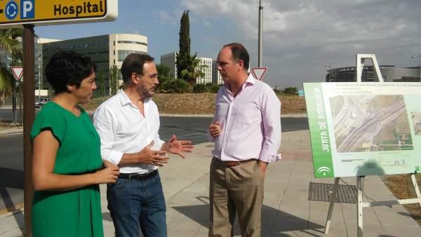El consejero andaluz de Fomento y Vivienda, Felipe López, en Granada