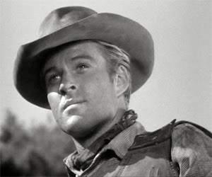 Primeros pasos en televisión (1960-1962). Robert Redford inició su carrera como actor en series de televisión como 'Maverikc', 'Playhouse 90' o la premiada 'Alfred Hitchcock presenta'. En la imagen, durante un capítulo de la serie 'Tate'.