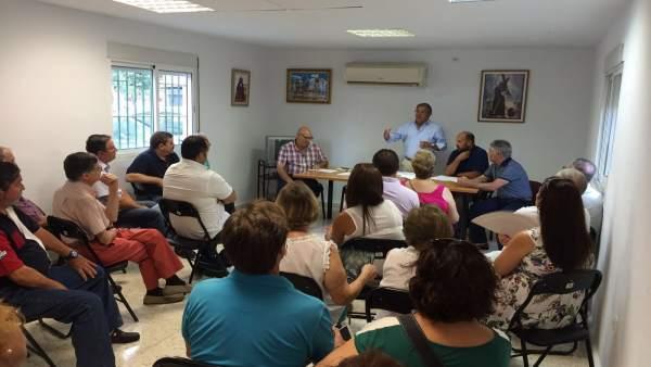 Zoido reunido con la Intercomunidad de vecinos de Alcosa