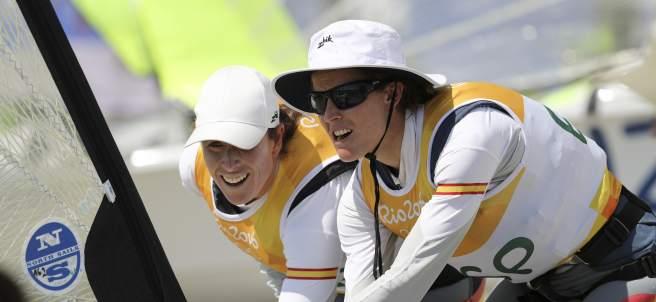 Tamara Echegoyen (i) y Berta Betanzos (d)