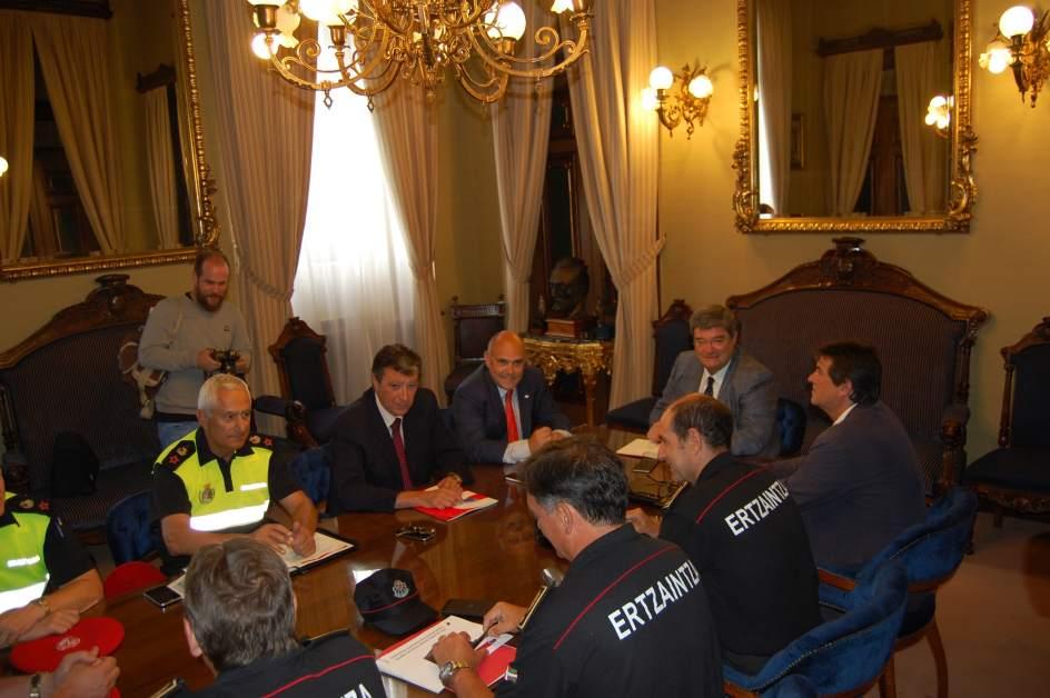 Ertzaintza y polic a municipal vigilar n bilbao las 24 for Cerrajeros bilbao 24 horas