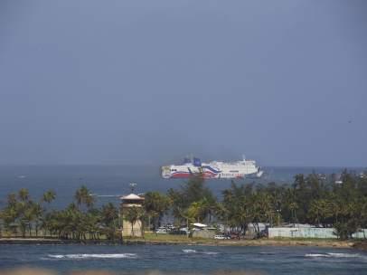 Crucero se incendia en Puerto Rico