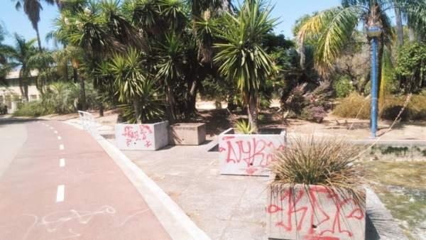 La Plataforma Amigos Jardines Oliva señala el deterioro del Jardín Americano