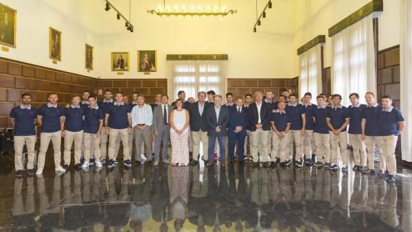 El Real Zaragoza con los grupos del Ayuntamiento