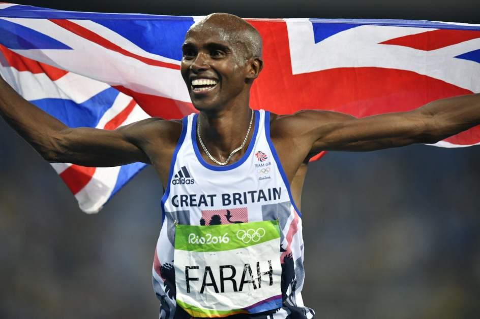 La reina Isabel II distingue al atleta Mo Farah como Caballero del Imperio Británico