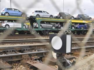 Tren mercancías coches Volkswagen