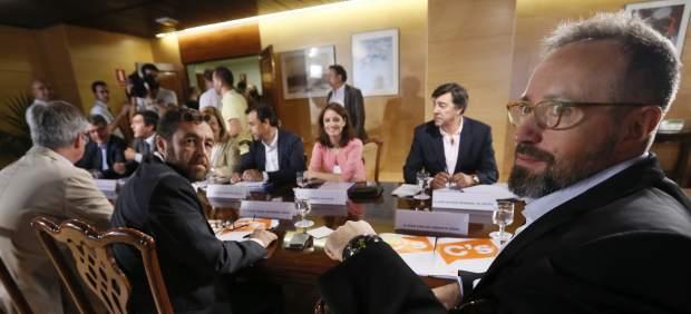 Rajoy esperará a que avancen las negociaciones con Ciudadanos para llamar a Pedro Sánchez
