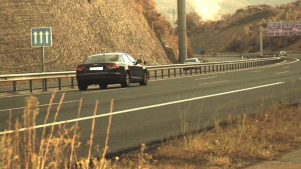 Vehículo multado en la AP8