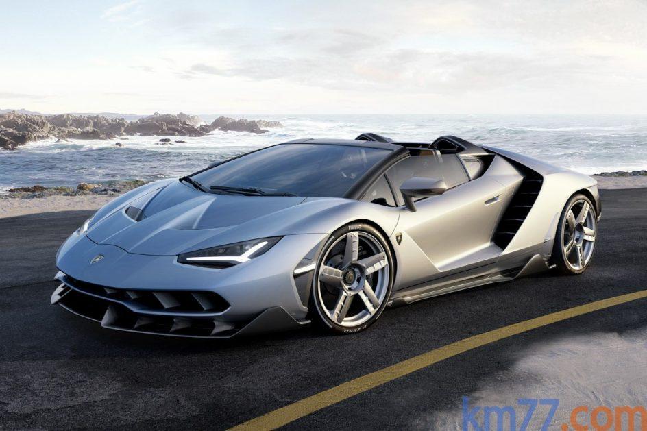Ruedas Pirelli . Las llantas son de 20 y 21 pulgadas en los ejes delantero y trasero respectivamente con neumáticos Pirelli P Zero.
