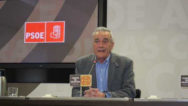 El portavoz del PSOE-Aragón, Javier Sada.