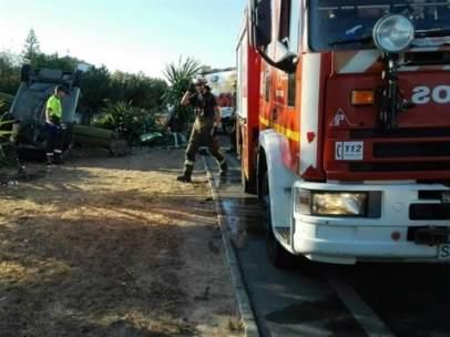Los bomberos del Aljarafe en acción.