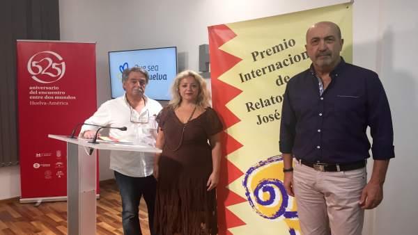 Miguel Sánchez recibe el premio José Nogales
