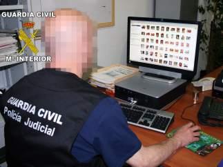 Guardia Civil investiga el material pedófilo hallado en el ordenador