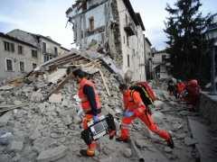 Ascienden a 159 los muertos por el terremoto en Italia