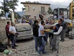 Al menos 38 muertos por un terremoto en Italia