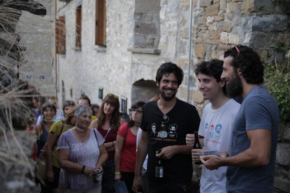 corto acompañantes independientes pequeña en Zaragoza