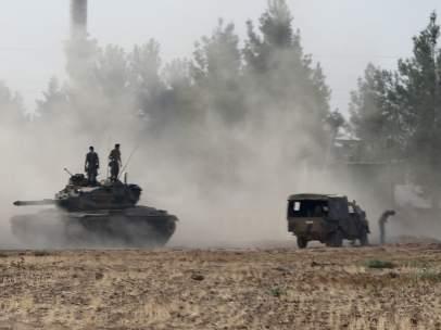 Tanques turcos entrando en Siria