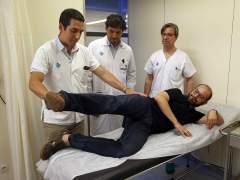 Operación pionera permite andar a un paciente con cáncer en la pierna