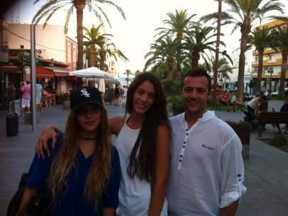 Diana Quer, con sus primos