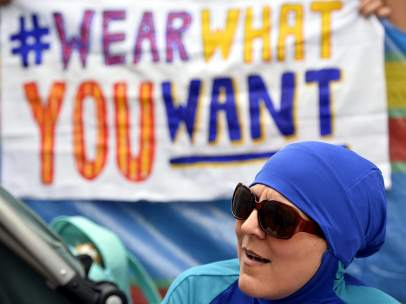 Protestas contra la prohibición al burkini
