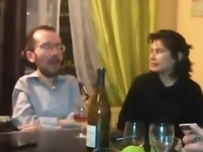 """Captura de pantalla del video en que se ve a Echenique cantando la jota """"chúpame la minga, Dominga"""""""