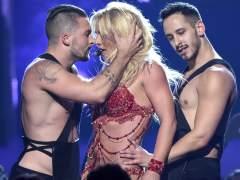 Britney Spears, Rihanna, Kanye West y hasta Michael Phelps, en la gala de los premios MTV