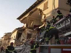 Los equipos de rescate en Amatrice trabajan ahora en la recuperación de cadáveres