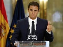 Rivera invita al PSOE a unirse a pacto de investidura