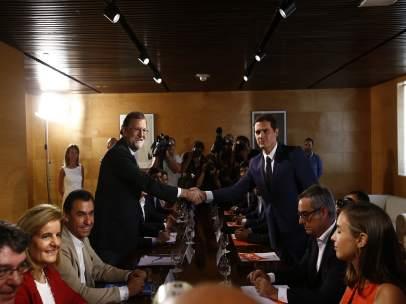 Mariano Rajoy y Albert Rivera llegan a un acuerdo para la investidura