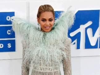 Beyoncé en la alfombra roja de los MTV VMAs
