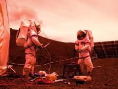 Seis científicos finalizan un año de aislamiento simulado en Marte