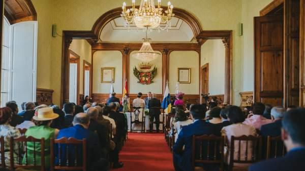Boda civil en el Ayuntamiento de La Orotava