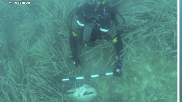 La Guardia Civil ha encontrado rastros óseos en una bolsa en aguas de Calpe