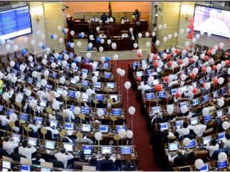 Colombia aprueba convocar el plebiscito por la paz