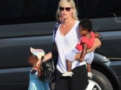 Críticas a Charlize Theron por dejar que su hijo se vista de Elsa, de 'Frozen'