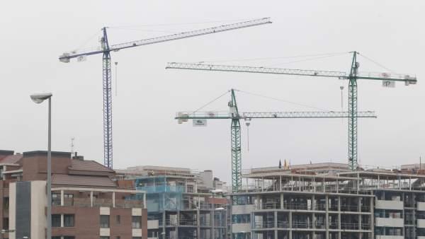 El 'ladrillo' consolida su crecimiento, pero sin signos de una nueva burbuja inmobiliaria