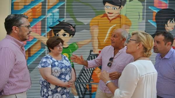 Ayuntamiento murcia eliminar las pintadas de distintas for Oficina del consumidor murcia