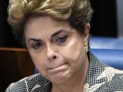 El Senado brasileño aprueba destituir a Rousseff de la presidencia, pero no la inhabilita