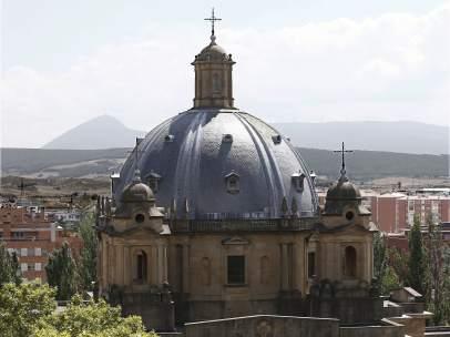 Exterior del Monumento de los Caídos de Pamplona