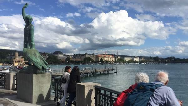 Vista del gran lago de Zúrich