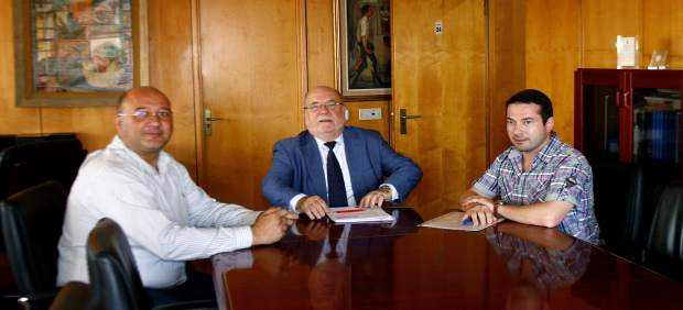 El gobierno estudia abrir una oficina delegada del for Oficina empleo cantabria