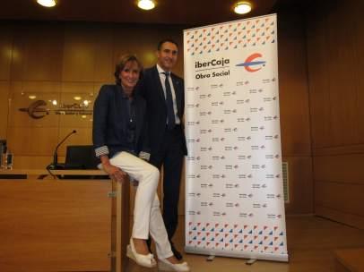La directora y el subdirector del Centro Cultural de Ibercaja